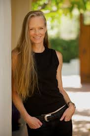 Suzy Amis-Cameron photo
